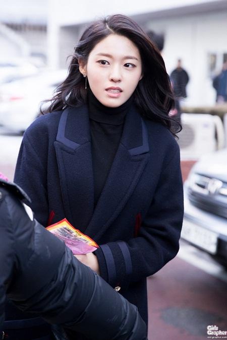 """Những hình ảnh lý giải vì sao Seolhyun trở thành """"người trong mộng"""" của fan nam Kpop? - Ảnh 16"""