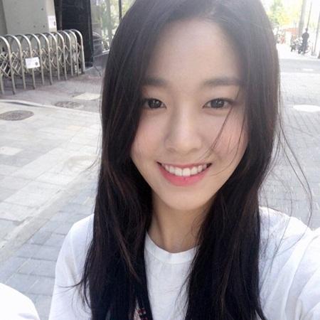 """Những hình ảnh lý giải vì sao Seolhyun trở thành """"người trong mộng"""" của fan nam Kpop? - Ảnh 4"""