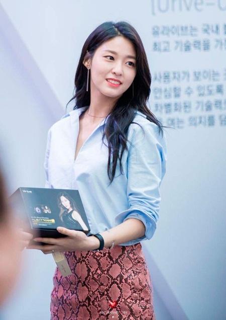 """Những hình ảnh lý giải vì sao Seolhyun trở thành """"người trong mộng"""" của fan nam Kpop? - Ảnh 27"""