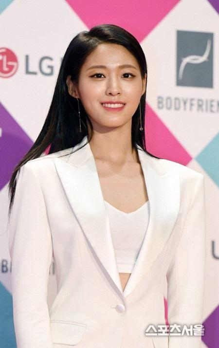 """Những hình ảnh lý giải vì sao Seolhyun trở thành """"người trong mộng"""" của fan nam Kpop? - Ảnh 32"""