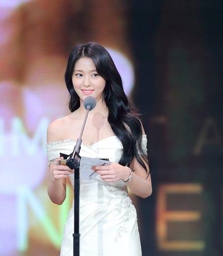 """Những hình ảnh lý giải vì sao Seolhyun trở thành """"người trong mộng"""" của fan nam Kpop? - Ảnh 33"""