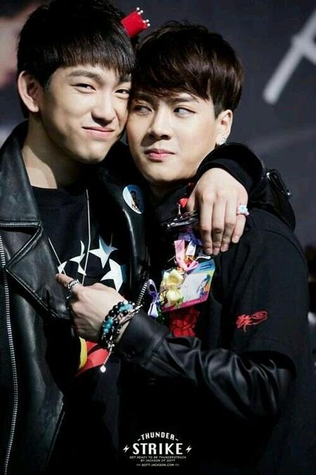"""15 idol """"đóng vai phụ huynh"""" trong các nhóm nhạc Kpop - Ảnh 8"""