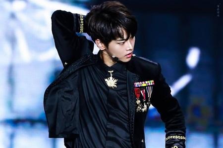 """15 idol """"đóng vai phụ huynh"""" trong các nhóm nhạc Kpop - Ảnh 11"""