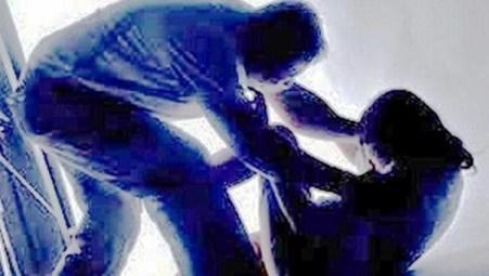 Người đàn ông dụ dỗ bé gái giao cấu dẫn đến có thai rồi bỏ trốn - Ảnh 1