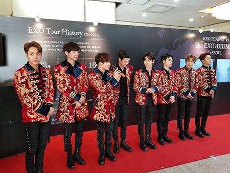 Đẳng cấp thời trang của EXO qua đánh giá của tạp chí danh tiếng Vogue - Ảnh 10