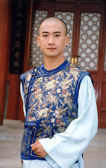 Châu Kiệt: Từ Nhĩ Khang lừng lẫy tới kẻ nợ nần, cờ bạc bị làng giải trí tẩy chay - Ảnh 2