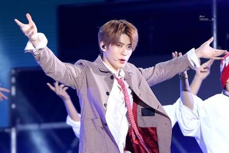 8 idol nam này sẽ là đại diện nhan sắc thế hệ mới của Kpop - Ảnh 11