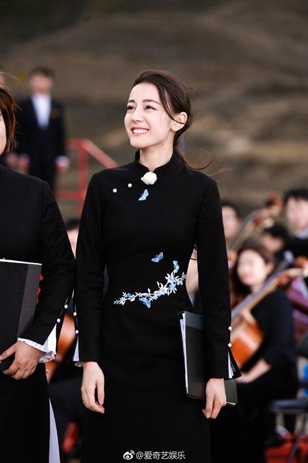 """Địch Lệ Nhiệt Ba: """"Hoa tuyết Tân Cương"""" xinh đẹp đầy triển vọng của màn ảnh Hoa ngữ - Ảnh 3"""