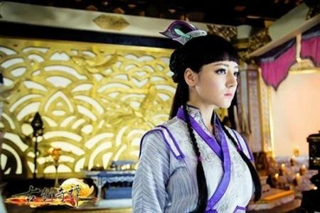 """Địch Lệ Nhiệt Ba: """"Hoa tuyết Tân Cương"""" xinh đẹp đầy triển vọng của màn ảnh Hoa ngữ - Ảnh 7"""