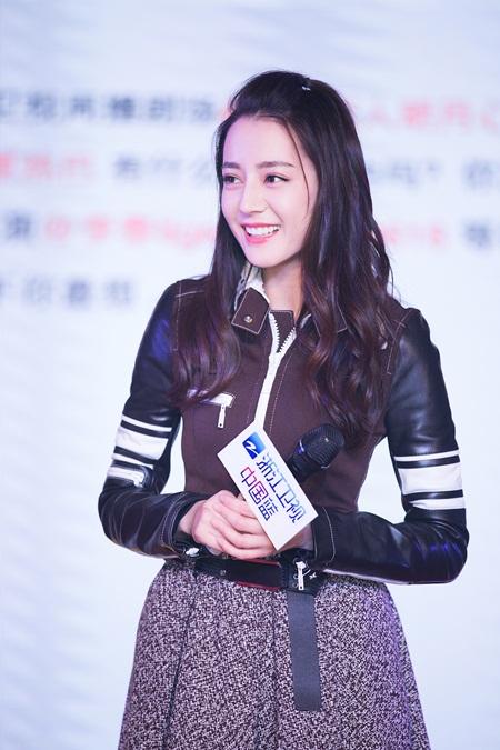 """Địch Lệ Nhiệt Ba: """"Hoa tuyết Tân Cương"""" xinh đẹp đầy triển vọng của màn ảnh Hoa ngữ - Ảnh 6"""