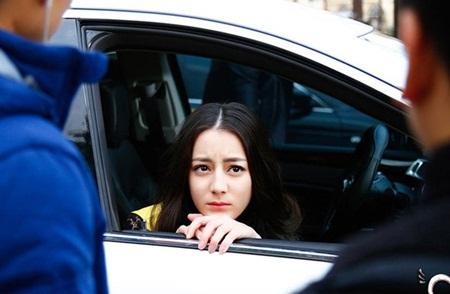 """Địch Lệ Nhiệt Ba: """"Hoa tuyết Tân Cương"""" xinh đẹp đầy triển vọng của màn ảnh Hoa ngữ - Ảnh 12"""