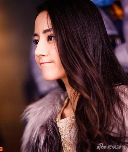 """Địch Lệ Nhiệt Ba: """"Hoa tuyết Tân Cương"""" xinh đẹp đầy triển vọng của màn ảnh Hoa ngữ - Ảnh 13"""