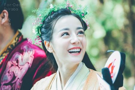 """Địch Lệ Nhiệt Ba: """"Hoa tuyết Tân Cương"""" xinh đẹp đầy triển vọng của màn ảnh Hoa ngữ - Ảnh 22"""