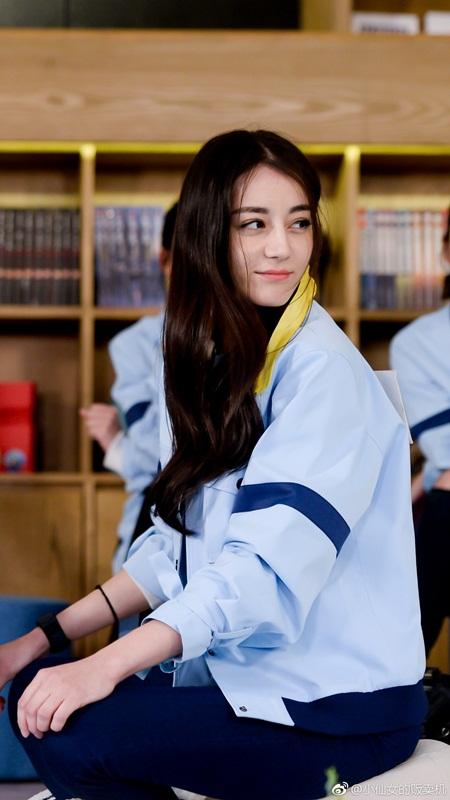 """Địch Lệ Nhiệt Ba: """"Hoa tuyết Tân Cương"""" xinh đẹp đầy triển vọng của màn ảnh Hoa ngữ - Ảnh 20"""