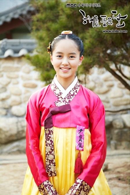 """Hành trình trưởng thành của """"nữ thần thế hệ mới"""" Kim So Hyun - Ảnh 3"""