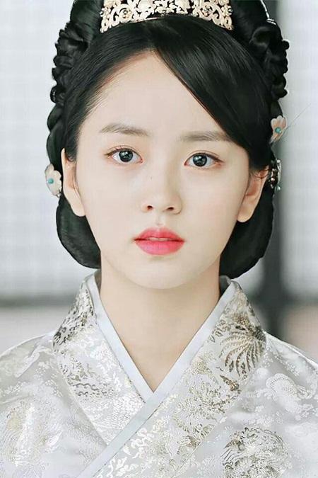 """Hành trình trưởng thành của """"nữ thần thế hệ mới"""" Kim So Hyun - Ảnh 6"""