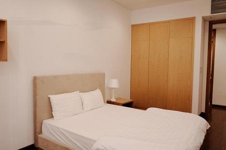 Ngắm căn hộ hiện đại dành riêng cho gia đình nhỏ trên phố Trần Bình - Ảnh 6
