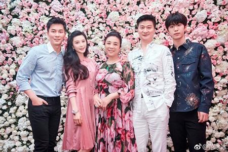 Tiết lộ clip Lý Thần run rẩy quỳ gối cầu hôn Phạm Băng Băng - Ảnh 2