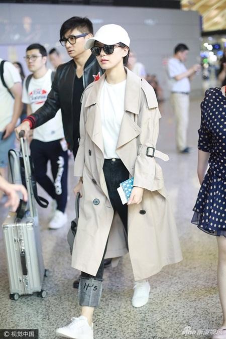 Lưu Thi Thi tóc ngắn lạ lẫm, được Ngô Kỳ Long hộ tống đi dự Milan Fashion Week - Ảnh 5