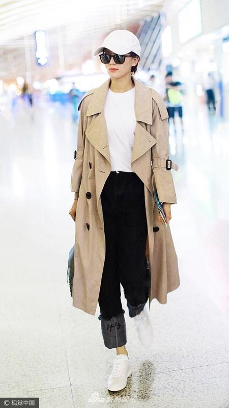 Lưu Thi Thi tóc ngắn lạ lẫm, được Ngô Kỳ Long hộ tống đi dự Milan Fashion Week - Ảnh 7