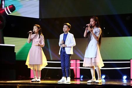 """Giọng hát Việt Nhí 2017 tập 7: Soobin Hoàng Sơn """"cảnh báo"""" Vũ Cát Tường - Ảnh 1"""