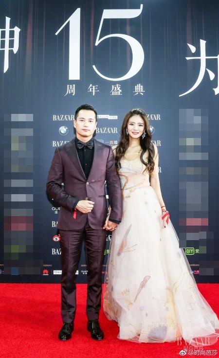 Các cặp đôi đình đám showbiz Hoa ngữ thi nhau tình tứ trên thảm đỏ - Ảnh 5