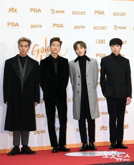 """Thảm đỏ """"Grammy xứ Hàn"""" ngày thứ nhất: Red Velvet đẹp tựa nữ thần! - Ảnh 15"""