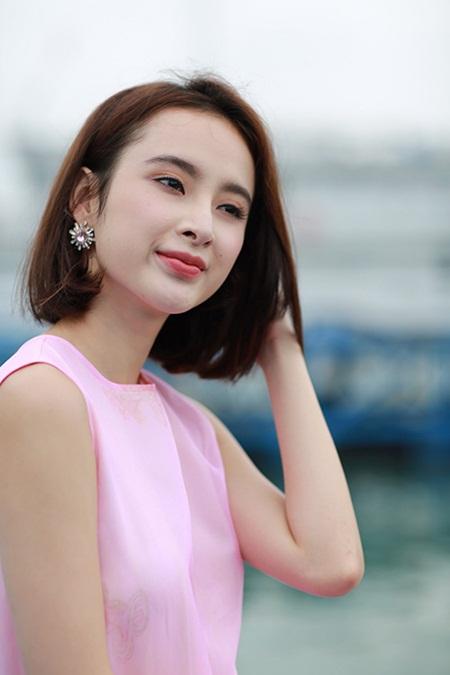 Sau khi khiến fan nữ lo sợ, Angela Phương Trinh khẳng định lại mối quan hệ với thủ môn Tiến Dũng - Ảnh 1