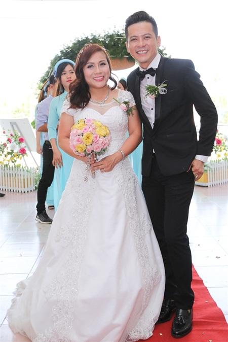 Điểm lại loạt đám cưới đình đám nhất của showbiz Việt năm 2017 - Ảnh 3
