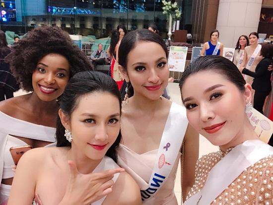 """Thùy Tiên """"ghi điểm"""" những ngày đầu tại Hoa hậu Quốc tế 2018 - Ảnh 3"""
