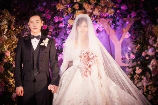 La Tấn - Đường Yên chính thức tiết lộ ảnh đám cưới phủ đầy hoa như cổ tích - Ảnh 2