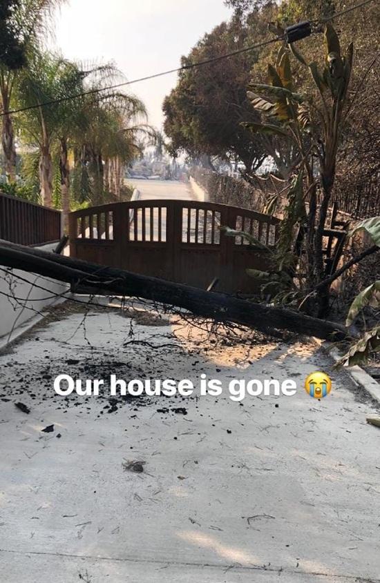 Loạt biệt thự triệu đô xa hoa của sao Hollywood hóa đống tro tàn sau vụ cháy ở bang California - Ảnh 3