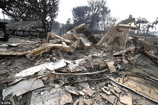 Loạt biệt thự triệu đô xa hoa của sao Hollywood hóa đống tro tàn sau vụ cháy ở bang California - Ảnh 5