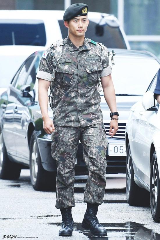 Lee Min Ho, G-Dragon và loạt nam thần xứ Hàn xuất ngũ trong năm 2019 - Ảnh 1