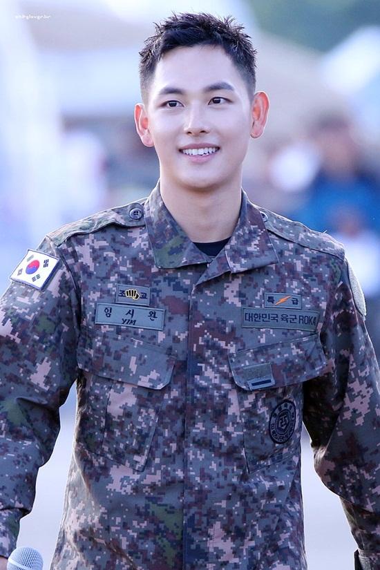 Lee Min Ho, G-Dragon và loạt nam thần xứ Hàn xuất ngũ trong năm 2019 - Ảnh 5
