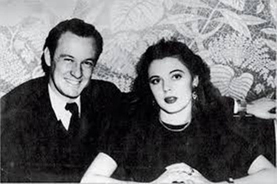 """""""Ông trùm Marvel"""" Stan Lee và cuộc hôn nhân đẹp như tiểu thuyết kéo dài 7 thập kỷ - Ảnh 5"""