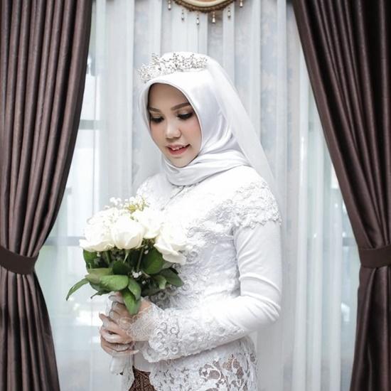 Vị hôn phu tử nạn trong vụ rơi máy bay Lion Air, cô gái làm đám cưới một mình - Ảnh 1