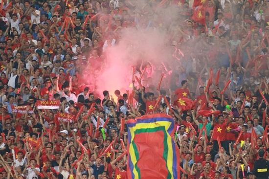 CĐV Myanmar hy vọng fan Việt Nam không mang pháo sáng vào sân - Ảnh 1