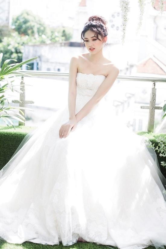 Chồng sắp cưới Á hậu Thanh Tú: Hai bàn tay trắng dựng nên cơ đồ - Ảnh 1