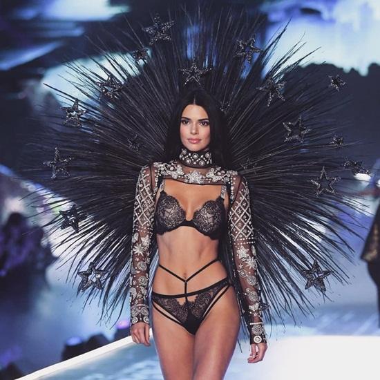 """Ngắm dàn """"thiên thần"""" nóng bỏng tỏa sáng trong Victoria's Secret Fashion Show 2018 - Ảnh 5"""