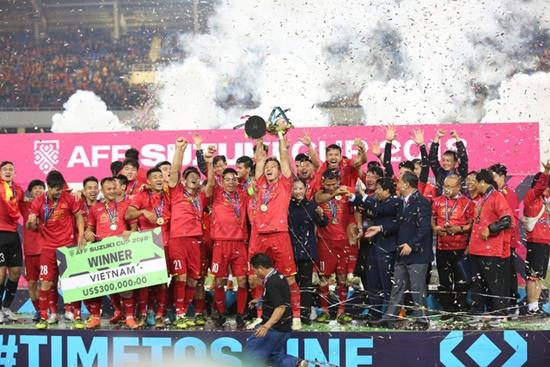 Cận cảnh phút đăng quang AFF Cup 2018 vỡ òa cảm xúc của ĐT Việt Nam - Ảnh 3