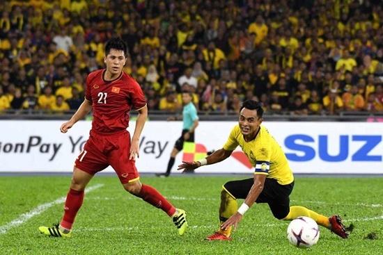 Đình Trọng gặp chấn thương nặng sau chức vô địch AFF Cup 2018 - Ảnh 1