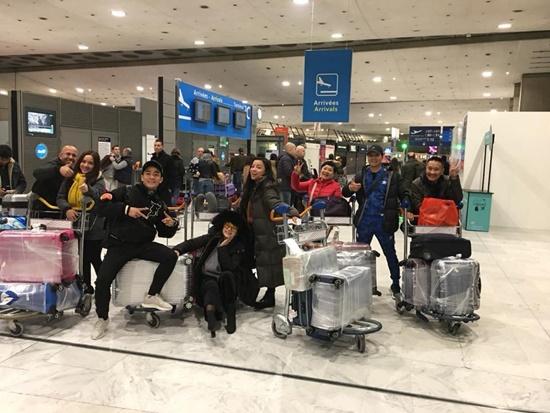 Ca sĩ Tố Nga sang tận trời tây để thực hiện MV về quê mẹ - Ảnh 1