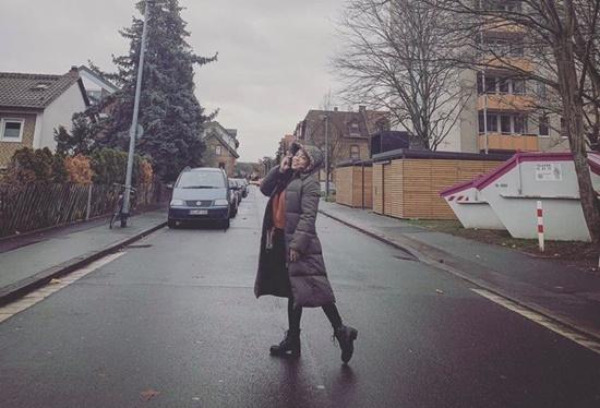 Ca sĩ Tố Nga sang tận trời tây để thực hiện MV về quê mẹ - Ảnh 2