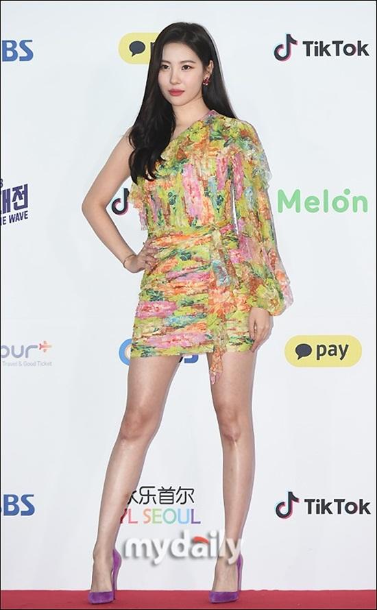 Thảm đỏ SBS Music Awards Festival: Nữ thần Irene thành tâm điểm vì quá gợi cảm - Ảnh 13