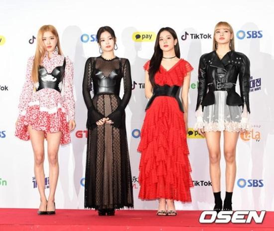 Thảm đỏ SBS Music Awards Festival: Nữ thần Irene thành tâm điểm vì quá gợi cảm - Ảnh 11