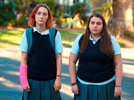 Có gì trong bộ phim giúp Saoirse Ronan nhận đề cử Oscar thứ 3 trong sự nghiệp? - Ảnh 4