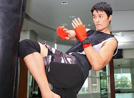 Johnny Trí Nguyễn có trình độ võ thuật thế nào mà khiến Flores muốn thách đấu? - Ảnh 2