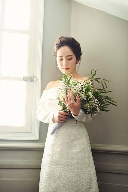 """Ngắm bộ ảnh cưới của MC """"Chúng tôi là chiến sĩ"""" trong ngày Valentine Trắng - Ảnh 2"""