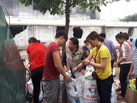 Chợ Quang tan hoang sau vụ cháy, tiểu thương khóc ròng vì trắng tay - Ảnh 4